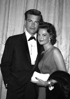 PHOTO: Actors Natalie Wood and Robert Wagner attend an event, in in Los Angeles. Child Actresses, Actors & Actresses, Miracle On 34th Street, Michael Strahan, Russian American, Roman Polanski, Natalie Wood, Famous Couples, In Hollywood