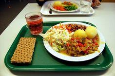 here's what school lunch looks like in Sweden