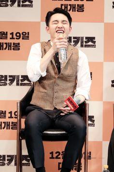 Kyungsoo, Knock Knock, Z Cam, Chansoo, Korean People, Exo Ot12, Do Kyung Soo, Cute Penguins, Precious Children