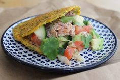 Arepa fit saludable de zanahoria rallada, brócoli y cilantro Healthy Fruits, Fruits And Veggies, Healthy Eating, Healthy Food, Mexican Food Recipes, New Recipes, Healthy Recipes, Ethnic Recipes, Comidas Fitness