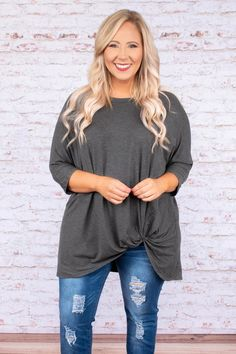 Steal Me Away Tunic, Charcoal Plus Size Shirts, Plus Size Blouses, Plus Size Tops, Stylish Mom Outfits, Fall Outfits, Cute Outfits, Plus Size Fall Outfit, Plus Size Outfits, Casual Mom Style