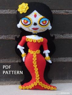 PDF pattern to make a felt Catrina. by Kosucas on Etsy Halloween Doll, Halloween Ornaments, Felt Ornaments, Doll Sewing Patterns, Felt Patterns, Stuffed Toys Patterns, Sewing Projects For Kids, Sewing For Kids, Crochet Dragon