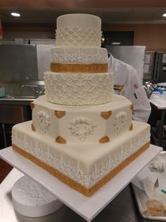Professional Cake & Pastry artist gives ideas, tips, and ...