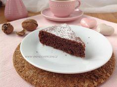 Čokoládový koláč bez mouky Banana Bread, Cheesecake, Low Carb, Cupcakes, Pudding, Food, Cupcake Cakes, Cheesecakes, Custard Pudding