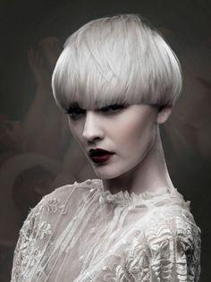 courtesan by callum standen the egg corte pelo corto Propuesta de Le Salon d'Apodaca #lesalondapodaca #peluqueria #malasaña #hairstyles #hair #haircut