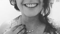 Toque perolado acompanhado de um sorriso de rainha. Obrigada de nada  Out/16  #Pérolas #minhamae #mamaequerida