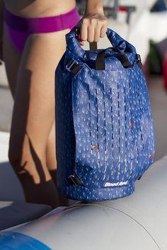 Blue Waves Cylinder Dry Bag 15L #bloodredclothing #bloodreddrybag