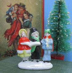 Carolers Figurine Ceramic Art Miniature A by WillowValleyVintage