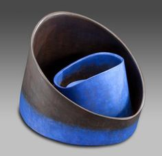 carme collell - blau ceràmica engalbada i brunyida Cerámica Ideas, Abstract Sculpture, Ceramic Sculptures, Contemporary Ceramics, Ceramic Artists, Shades Of Blue, Porcelain, Clay, Surface 2