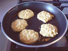 Μηλοτηγανίτες Pancakes, Food Ideas, Muffin, Apple, Breakfast, Apple Fruit, Morning Coffee, Pancake, Muffins
