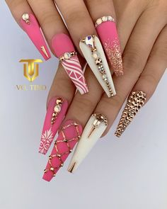 Acrylic Nail Designs Coffin, Bling Acrylic Nails, Polygel Nails, Diva Nails, Rhinestone Nails, Funky Nail Art, Funky Nails, Cute Nails, Pink White Nails