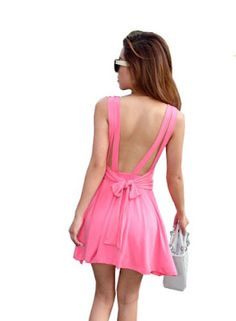 This pink color backless dress are so awful and sexy !!