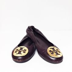 Deal of the day  Tory Burch Reva Flats Size 6.5 PLDTW $99.99 Item # 6513-12197  For info or to purchase please call our Johns Creek location at 770.390.0010 ex 2  #AlexisSuitcase #Consignmentatlanta #consignment #resale #highenddesigner #designer #consign #atlanta #atlantaconsignment #consignatlanta #resaleatlanta #luxury #luxuryfashion #fashioninspiration #toryburch by alexissuitcase