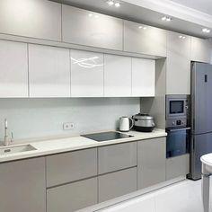 Grey Kitchen Designs, Luxury Kitchen Design, Kitchen Room Design, Contemporary Kitchen Design, Kitchen Cabinet Design, Kitchen Layout, Interior Design Kitchen, Kitchen Decor, High Gloss Kitchen Cabinets