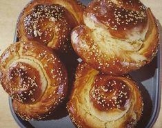 Πασχαλινά τσουρέκια Pretzel Bites, Doughnut, Bread, Desserts, Food, Tailgate Desserts, Dessert, Breads, Postres