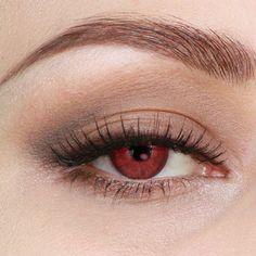 Bella Swan makeup (MAC eyeshadow Omega, Brun and Embark) by pixiwoo.