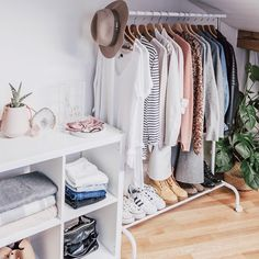 """199 Likes, 25 Comments - Jayde Scukovic ✦ Traveler (@jayde_archives) on Instagram: """"Eep... a bit excited to share my first capsule wardrobe with you! I've been talking about capsules…"""""""