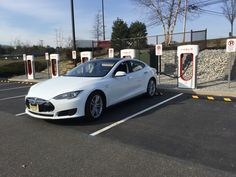 8 Tesla supercharging station in Tinton Falls, Jersey Shire Premium Outlets. Easy on/off from the NJ Parkway.