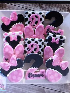 The Cookie Box Minnie Mouse Party, Minnie Mouse Birthday Theme, Minnie Mouse Cookies, Disney Cookies, Happy 2nd Birthday, 2nd Birthday Parties, Cookie Display, Kids Party Themes, Cute Cookies