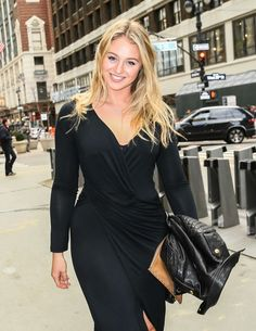 Iskra Lawrence Heads to Gotham Hall Iskra Lawrence, Looking Stunning, White Women, Gotham, Cool Girl, Wrap Dress, Cold Shoulder Dress, Plus Size, Elegant