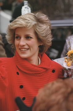 Diana, Princess of Wales wearing a Catherine Walker coat to the. News Photo - Getty Images Princess Diana Photos, Princess Diana Fashion, Princess Diana Family, Princess Photo, Royal Princess, Princess Of Wales, Princesa Diana, Lady Diana Spencer, Queen Of Hearts