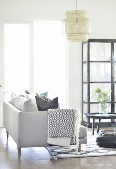 Hakola Lazy Sohva Beautiful Space, Beautiful Homes, Home And Living, Living Rooms, My Dream Home, Ikea, Sweet Home, Minimalist, Black And White