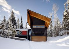 Located at the Kicking Horse Mountain Ski Resort in Golden, BC, Canada this 3500sqft reinterpretation of a mountain lodge was created by Bohlin Cywinski Ja