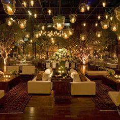 """""""Velas na decoração  #wedding #weddinginspiration #cerimônia #casamento #decor #decoração #flowers #flores #glamour #inspiração #luxury #luxo #noiva…"""""""