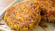 It's a queen-oh! (Chickpea Quinoa Burgers)