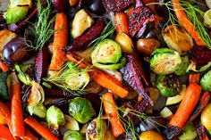 The best fruits and veggies to invest in this fall. Crock Pot Recipes, Fall Recipes, Delicious Recipes, Keto Recipes, Roasted Vegetable Recipes, Grilled Vegetables, Fruits And Veggies, Vegetables List, Colorful Vegetables