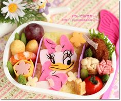 Disney Daisy Duck Bento! To see more cute stuff visit http://whykawaii.com!