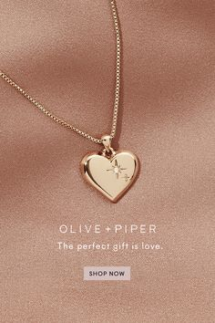 The perfect gift is love. Dress up with our gorgeous statement necklaces and sleek pendants for whatever your style or mood may be. The perfect gift for Valentines Day Gold Jewelry Simple, Stylish Jewelry, Dainty Jewelry, Heart Jewelry, Cute Jewelry, Fashion Jewelry Necklaces, Fashion Necklace, Jewelery, Jewelry Accessories