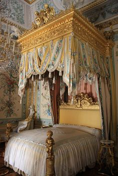 Canopy Bed inside Pavlovsk Palace.  I don't think I've ever seen such an ornate bed! Like something out of a fairytale!
