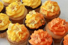 Tier cupcakes that match small wedding cake - see other pin.
