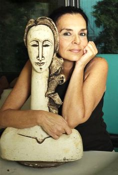 Throughout the girl five-decade career, artist Viola Frey made an outstanding human body on the Ceramic Clay, Ceramic Pottery, Pottery Art, Ceramic Figures, Ceramic Artists, Sculpture Clay, Art Sculptures, Ceramic Sculptures, 3d Figures