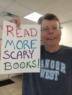 When Stephen King tells you to read more scary books; you read more scary books! Stephen King It, Steven King, Stephen King Movies, King Quotes, Book Quotes, Stanley Kubrick, I Love Books, Good Books, Horror Books