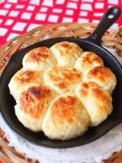 ホットケーキmixで簡単♪スキレットでちぎりパン風 レシピ・作り方 by aka.ru☆ 楽天レシピ