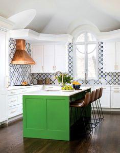 A Bright-Green Island Stars in this Seriously Bold Forest Hills Kitchen Green Kitchen Island, Green Kitchen Cabinets, Kitchen Cabinet Colors, Red Kitchen, Kitchen Colors, Kitchen Decor, Kitchen Ideas, Rainbow Kitchen, Kitchen Walls