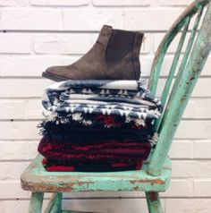 Yay for scarves and boots | Women's Fashion