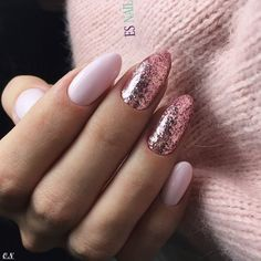 Best Nail Polish Colors of 2019 for a Trendy Manicure Es Nails, Prom Nails, Hair And Nails, Cute Almond Nails, Cute Nails, Pretty Nails, Best Nail Polish, Nail Polish Colors, Winter Nails