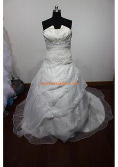 Robe de mariée princesse satin organza appliqué perles