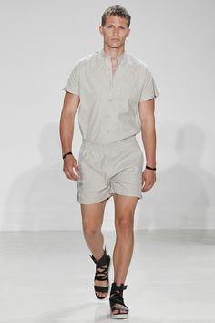 Cadet Spring 2017 Menswear Fashion Show Collection: See the complete Cadet Spring 2017 Menswear collection. Look 19 Romper Men, Romper Outfit, Men Looks, Fashion Show, Mens Fashion, Short Models, Vogue Paris, Spring Summer Fashion, Menswear