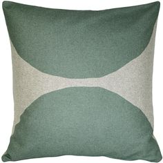 This soft and durable felt pillow in sage green is the largest of Kukamuka's Luonto pillows. A Kukamuka Scandinavian inspired original.