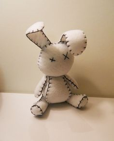 Felt little goth white rabbit plush stuffed toy by SouthernGothica, conejito de fieltro Sewing Toys, Sewing Crafts, Sewing Projects, Craft Projects, Felt Diy, Felt Crafts, Fabric Crafts, Softies, Plushies