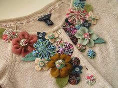 Gil: Customização de uma malha, passo a passo com flores de fuxico e feltro.
