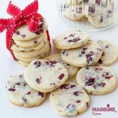 Fursecuri fragede cu unt si merisoare / Cranberry shortbread cookies