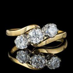 VINTAGE DIAMOND TRILOGY TWIST ENGAGEMENT RING 18CT GOLD 1.60CT DIAMONDS front Antique Diamond Rings, Antique Engagement Rings, Vintage Diamond, Twist Ring, Perfect Engagement Ring, Gold Crown, Gold Bands, Diamond Cuts, Antique Jewelry