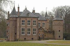 Het uit de 15de eeuw gedateerde landgoed Moersbergen in de provincie Utrecht.