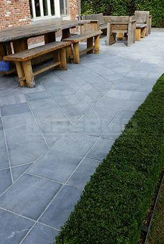 terrastegel, vietnamese blauwe steen, tegels, impermo Hanoi, Garden Inspiration, Sweet Home, Sidewalk, Home And Garden, Backyard, Exterior, Landscape, Outdoor Decor