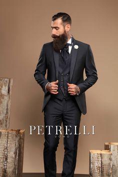 """La Linea """"GOLD""""  rivenditori@petrelliuomo.com Ph. Alex Belli model Gianluca Di Sotto  #collezione2017 #petrelliuomo #stile #lineagold #esclusivo  #cerimonia #novios #wedding #sposo"""